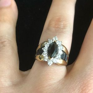 Vintage Jewelry - 10kt yellow gold cocktail ring